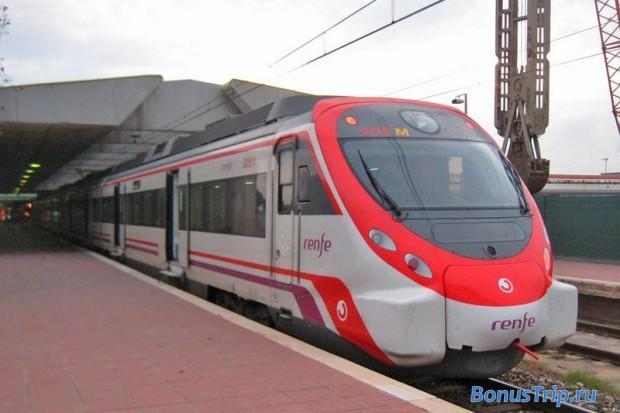 Поезд, позволяющий  быстро добраться из аэропорта  Барселоны